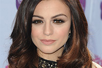 Cher-lloyd-sultry-makeup-for-brunettes-side